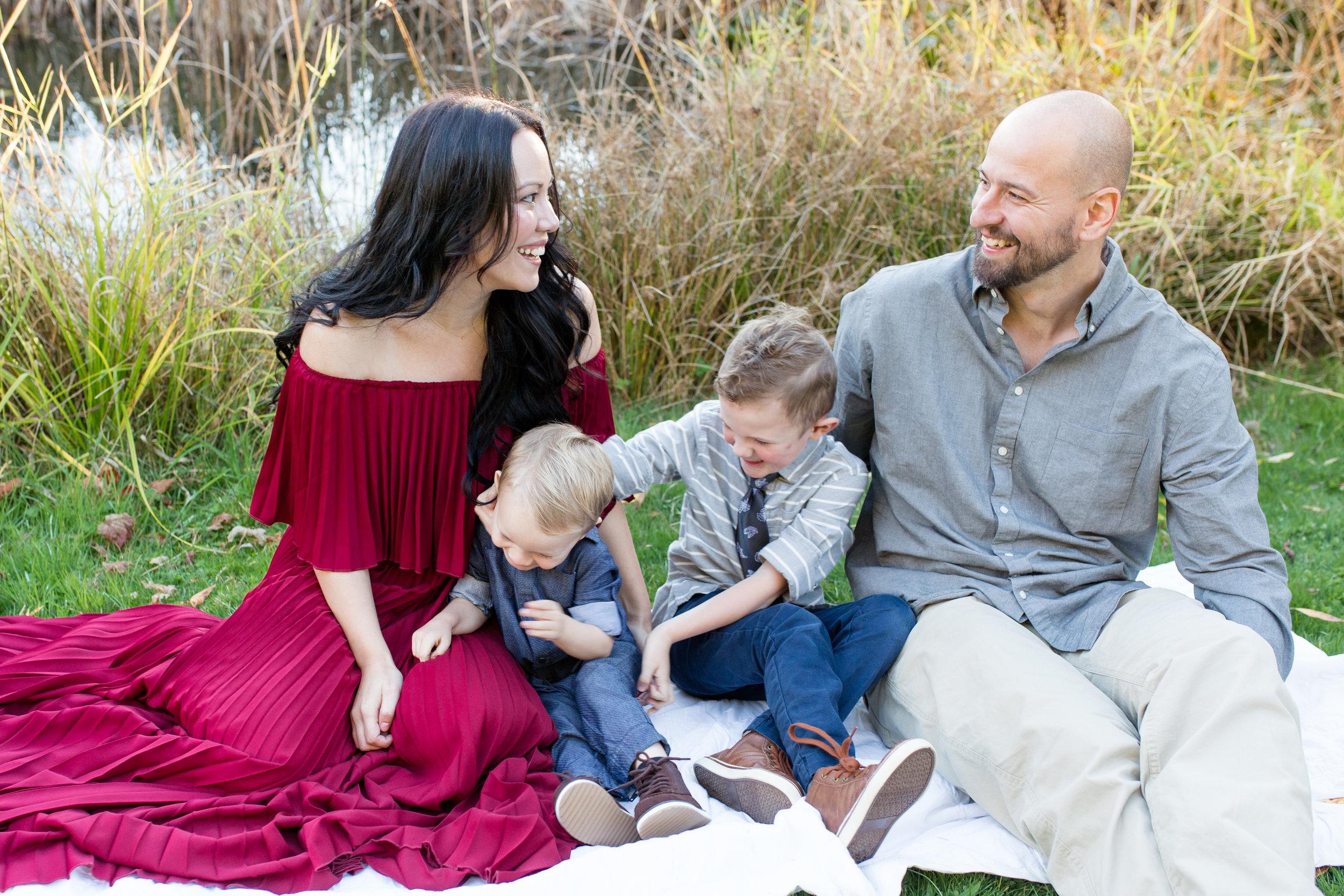 Diefenbaker Park Family Photos 2018-36.jpg