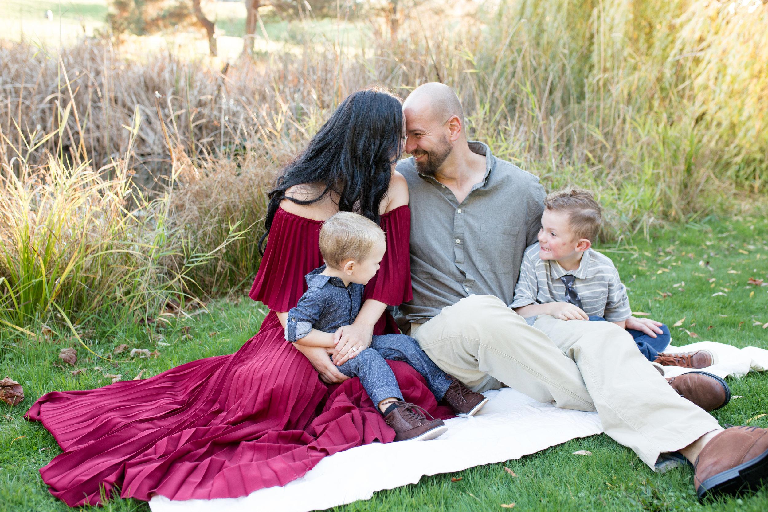 Diefenbaker Park Family Photos 2018-37.jpg