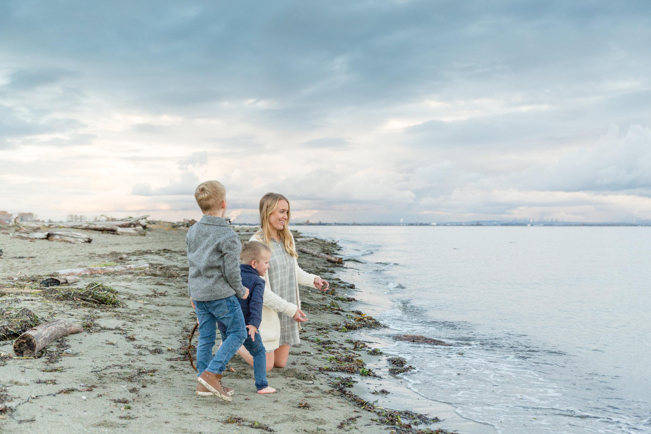 Centennial Beach Family Photos 2018-10.jpg