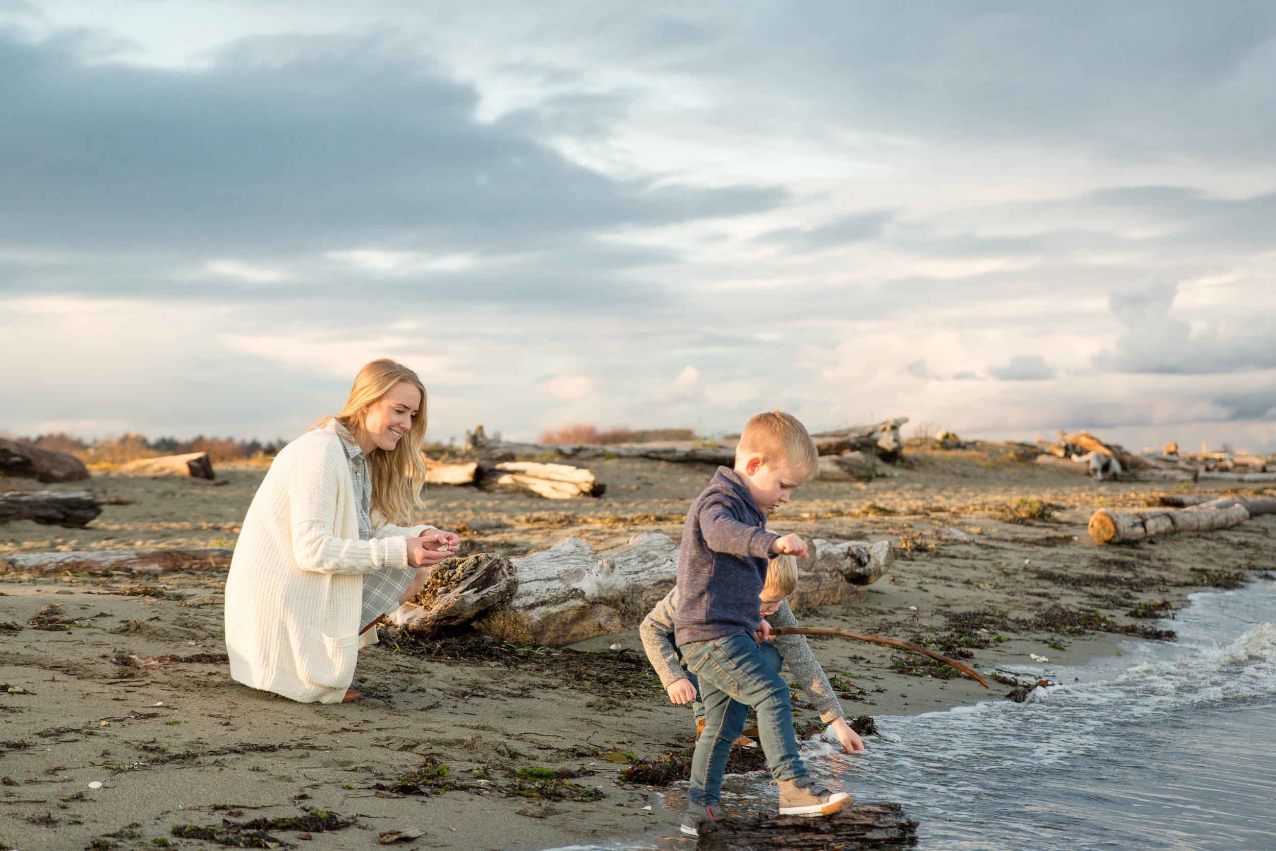 Centennial Beach Family Photos 2018-16.jpg