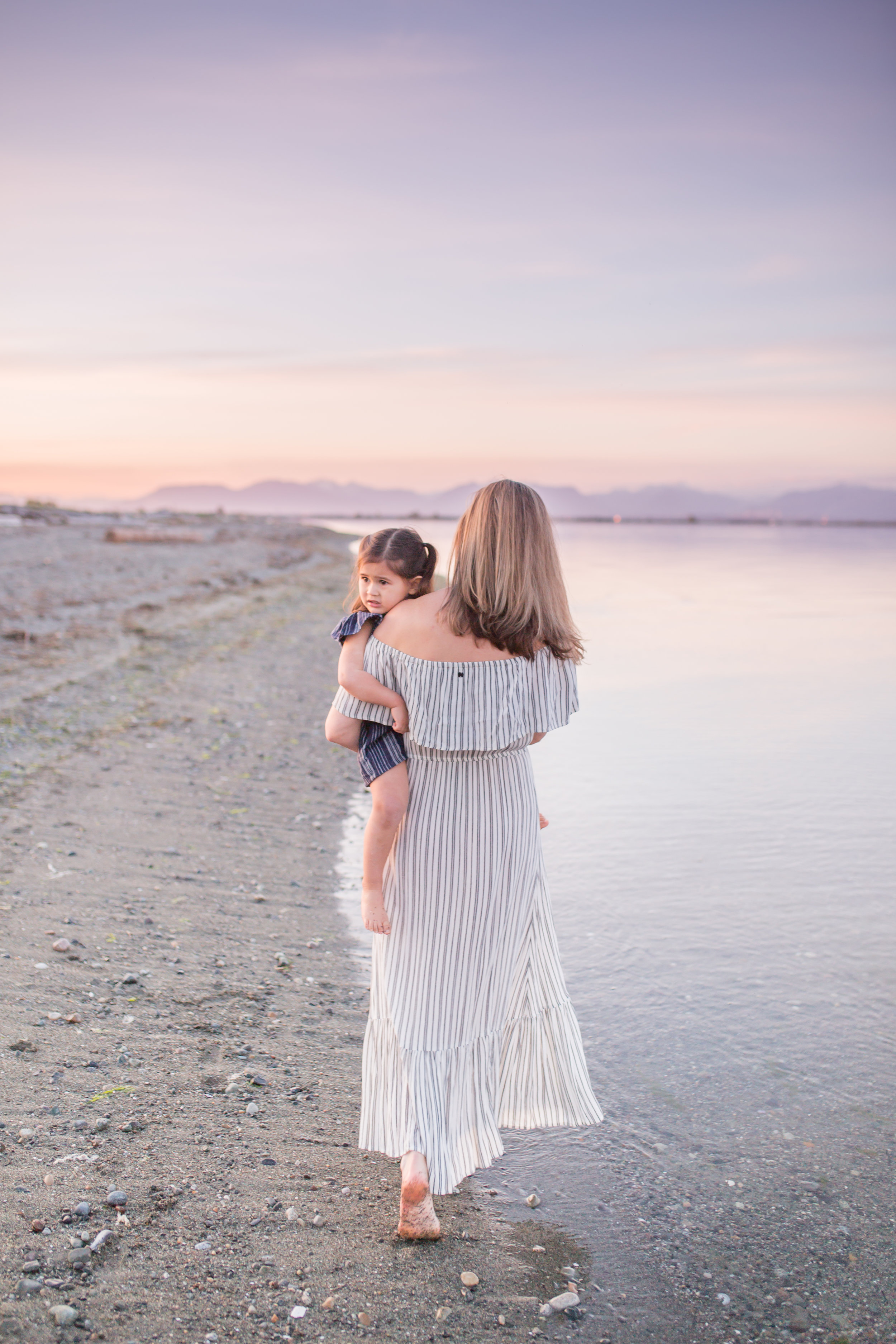 Centennial Beach Motherhood Sessions-7.jpg