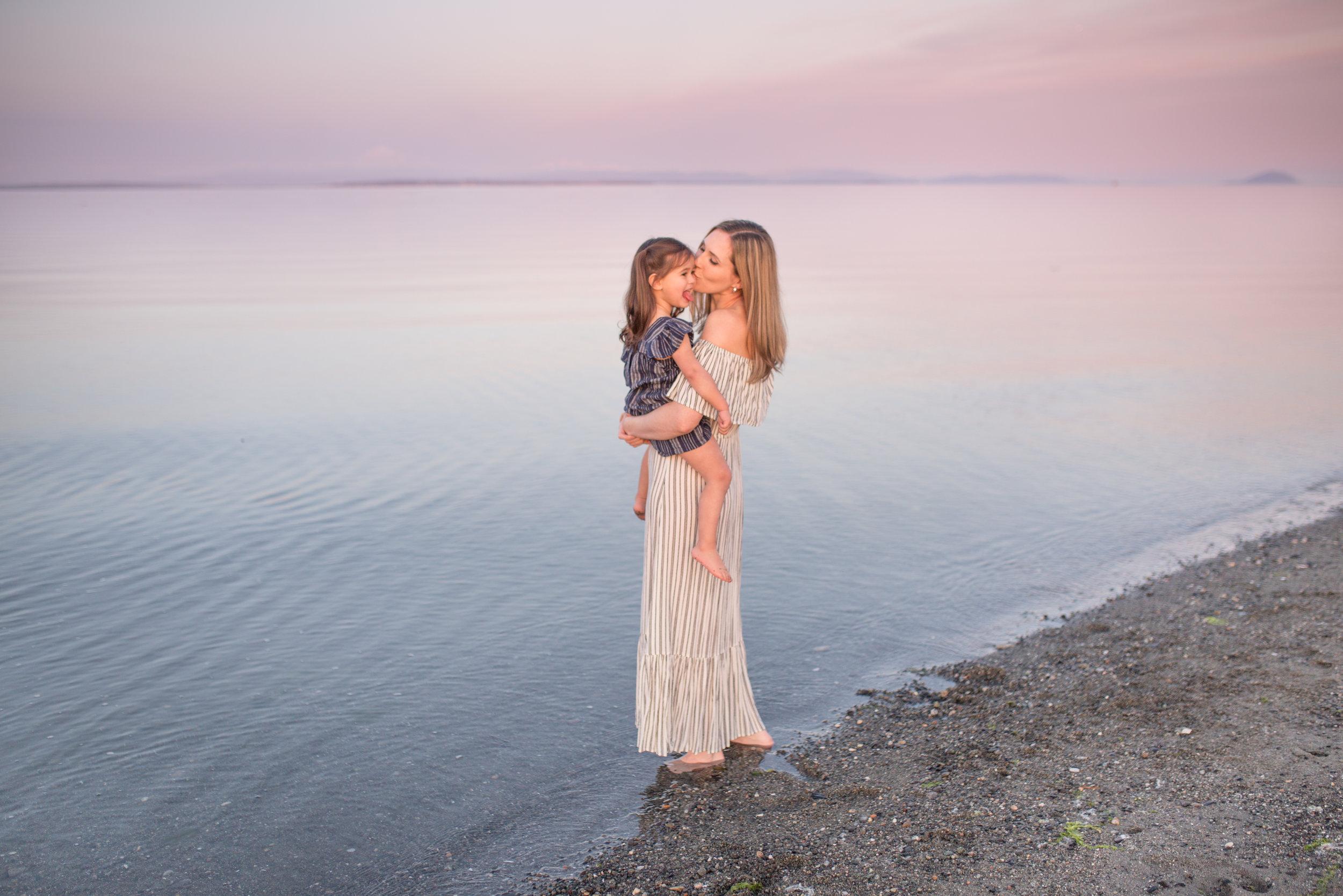 Centennial Beach Motherhood Sessions-8.jpg