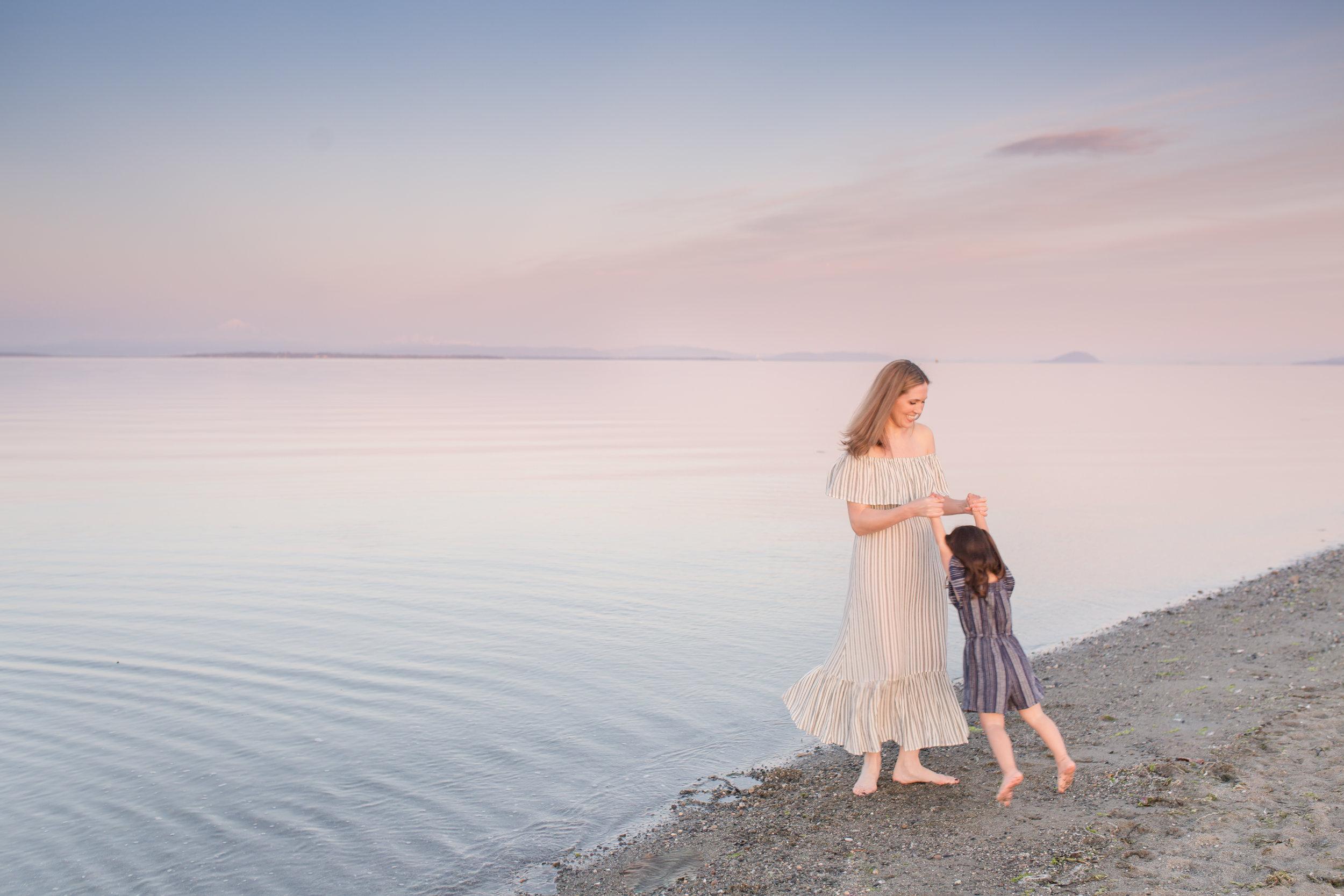Centennial Beach Motherhood Sessions-10.jpg