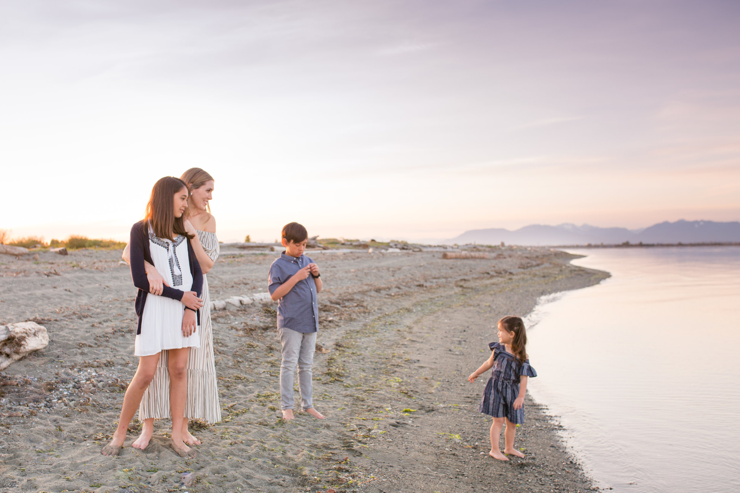 Centennial Beach Motherhood Sessions-12.jpg