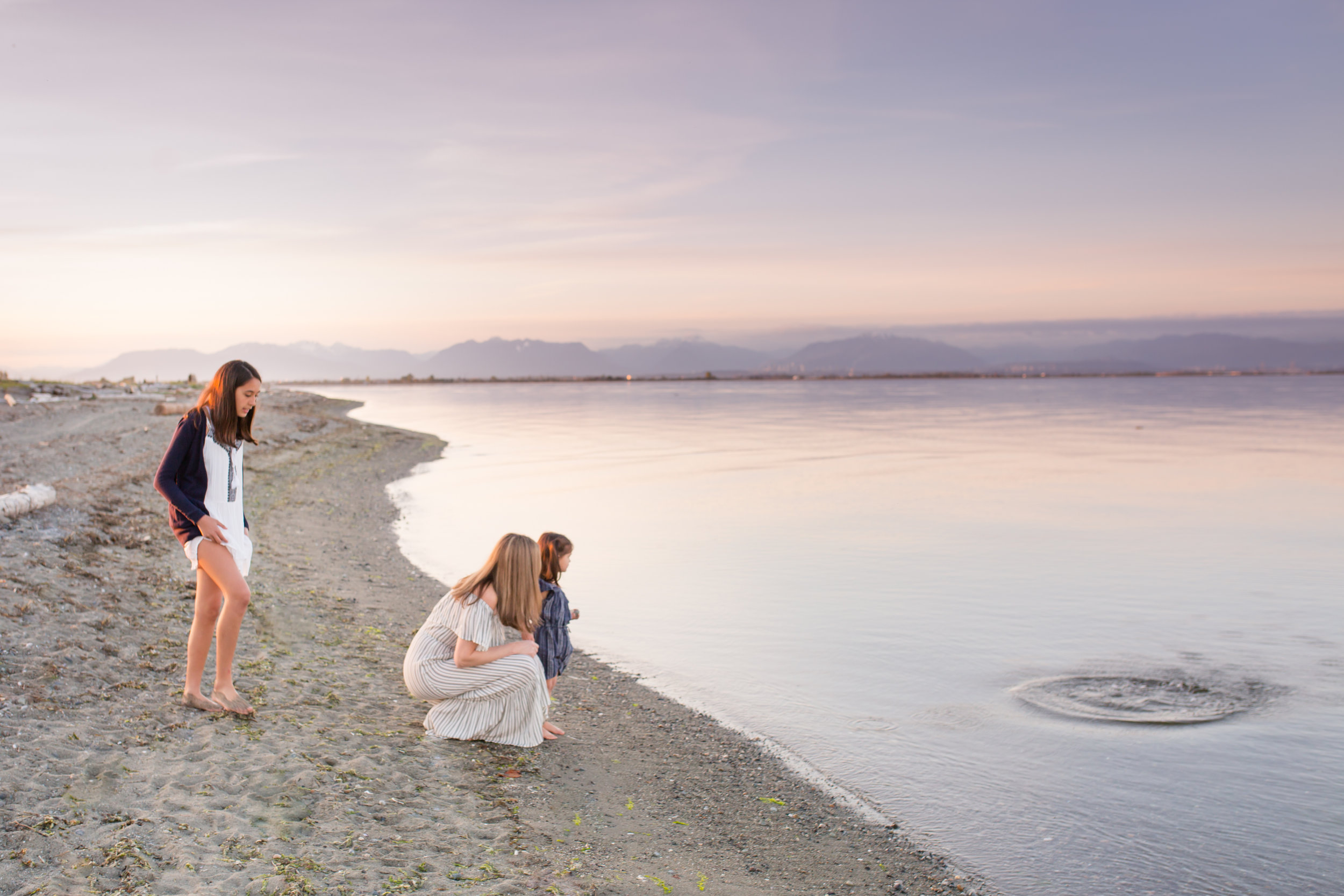 Centennial Beach Motherhood Sessions-13.jpg