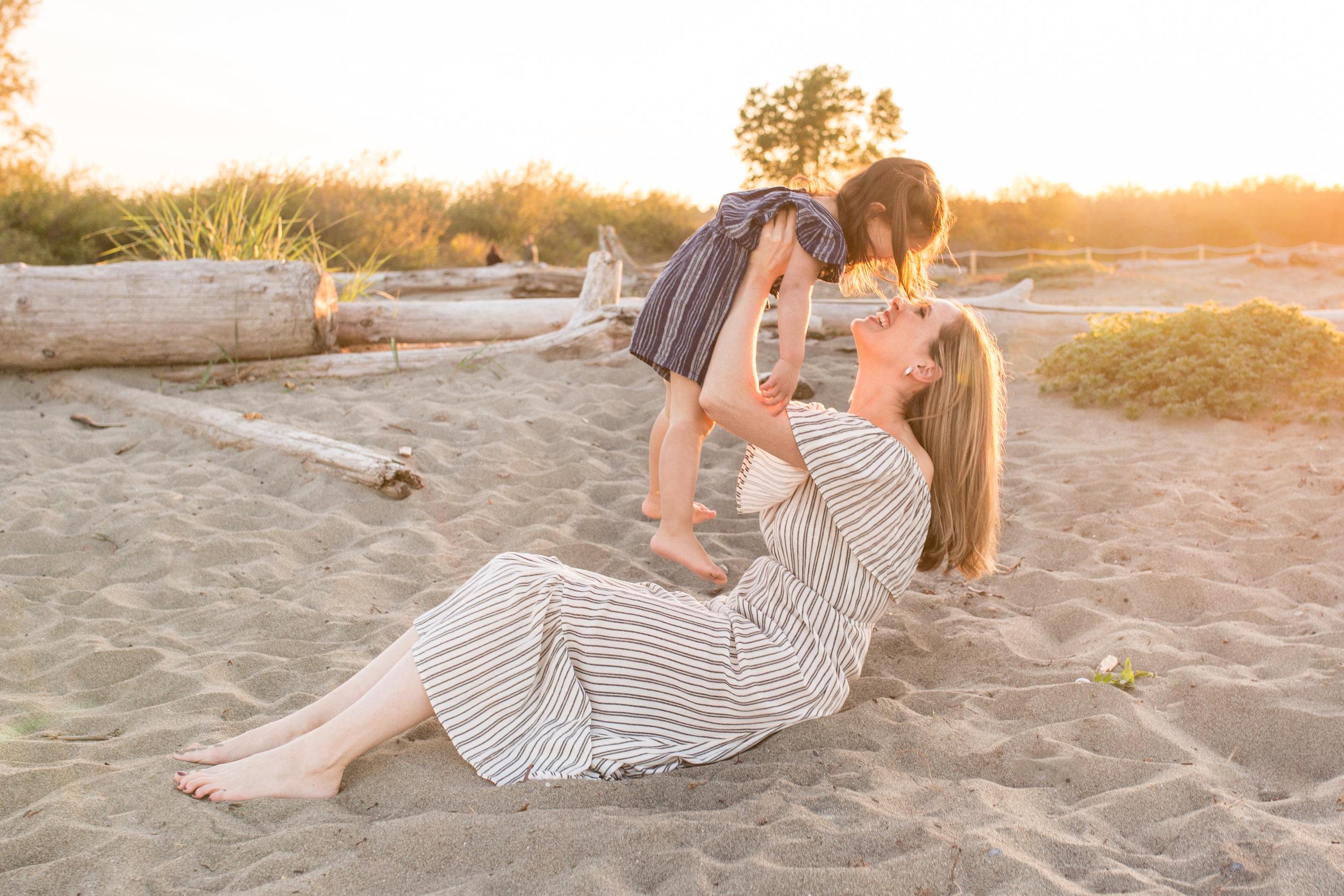 Centennial Beach Motherhood Sessions-16.jpg