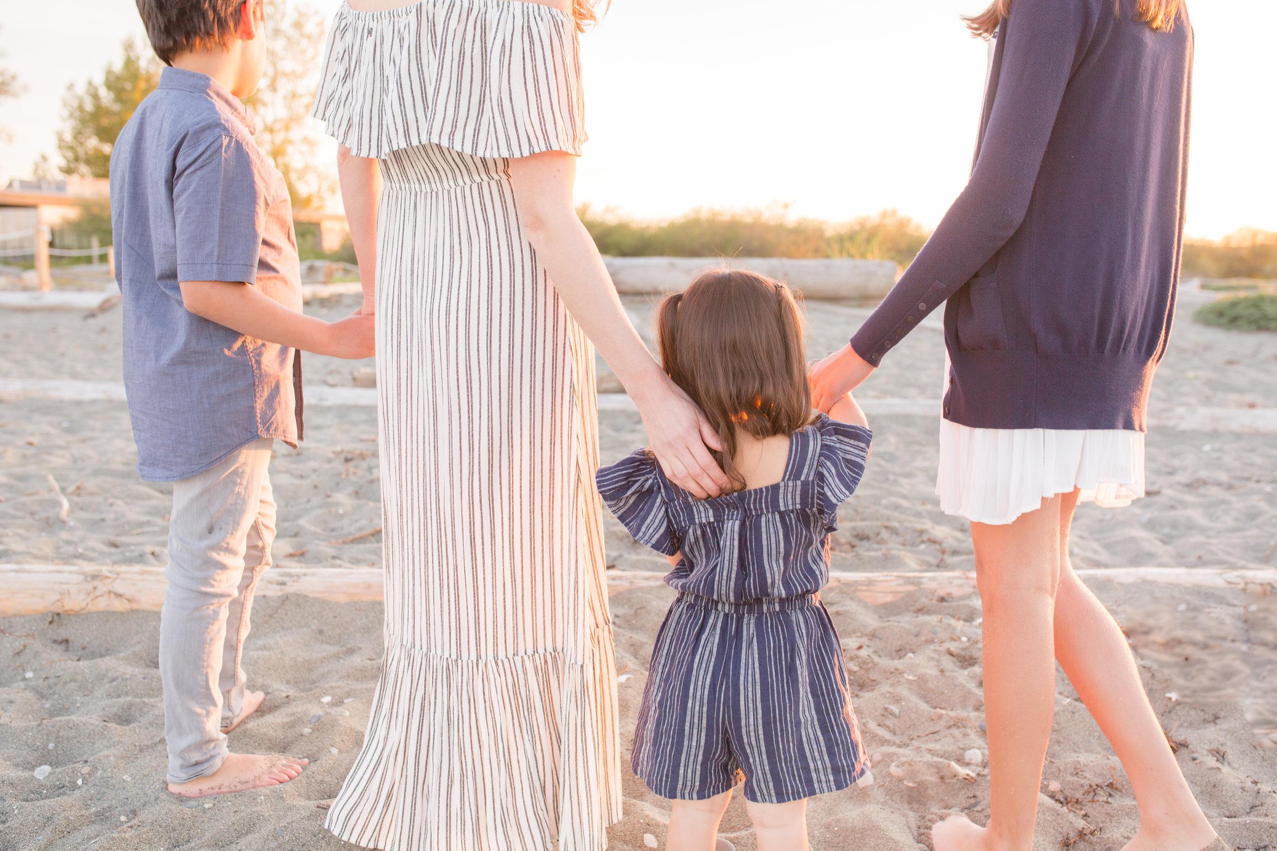Centennial Beach Motherhood Sessions-15.jpg
