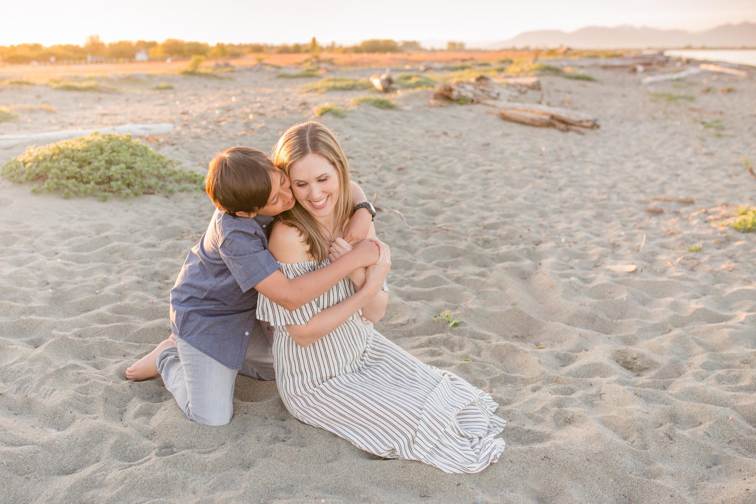 Centennial Beach Motherhood Sessions-18.jpg