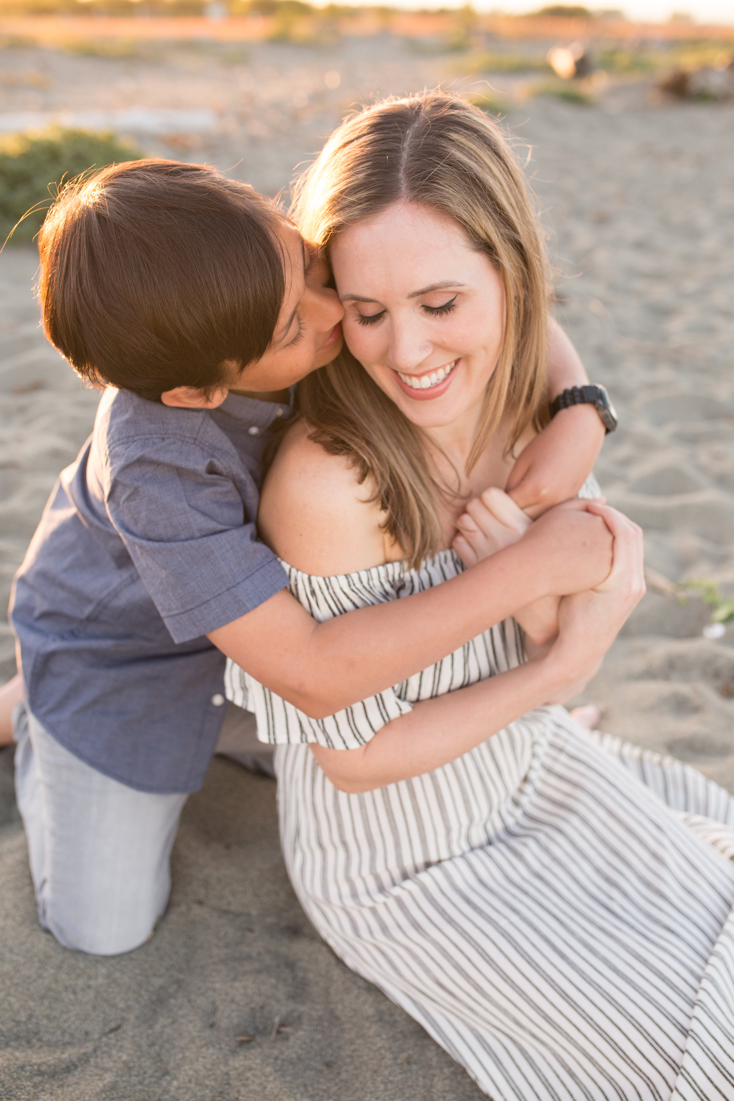 Centennial Beach Motherhood Sessions-19.jpg