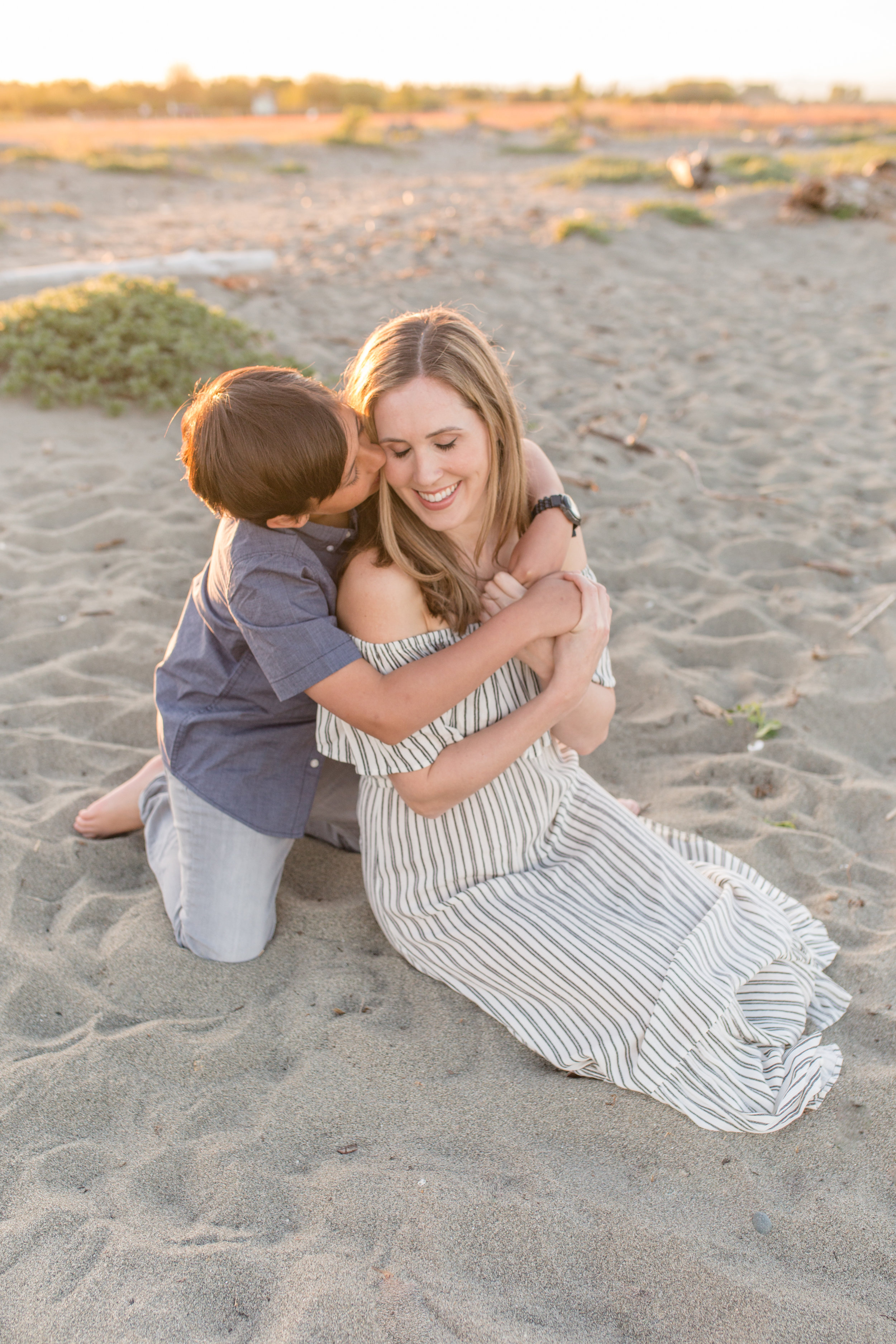 Centennial Beach Motherhood Sessions-20.jpg