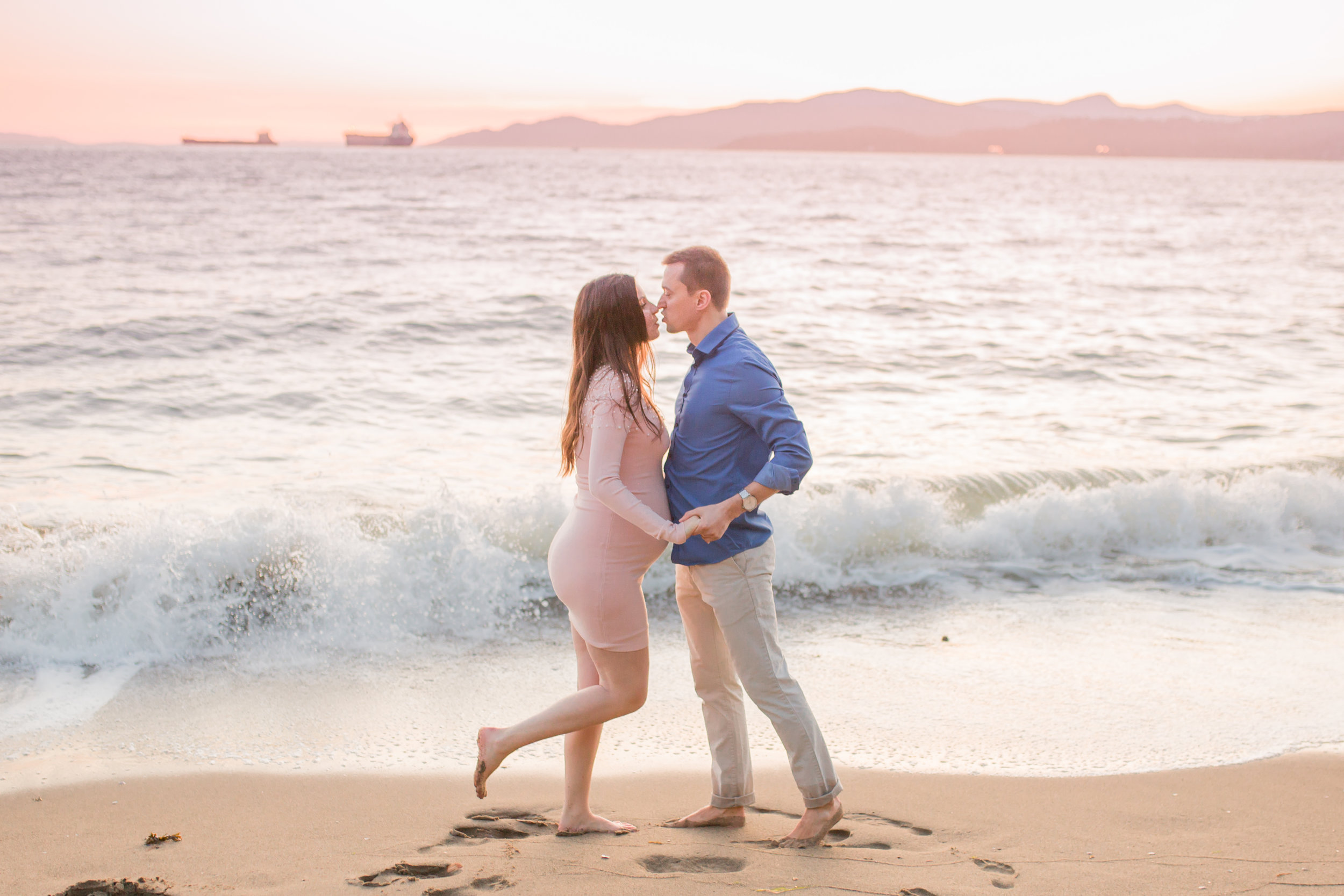 Stanly Park Maternity Pictures-6.jpg