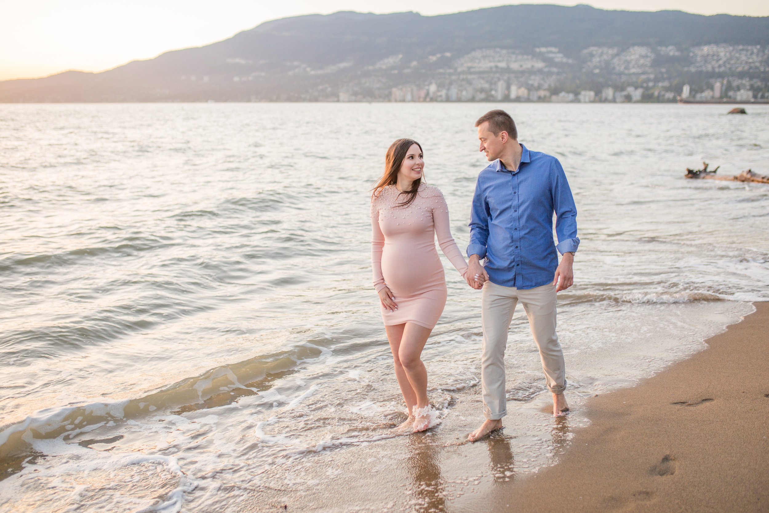 Stanly Park Maternity Pictures-10.jpg