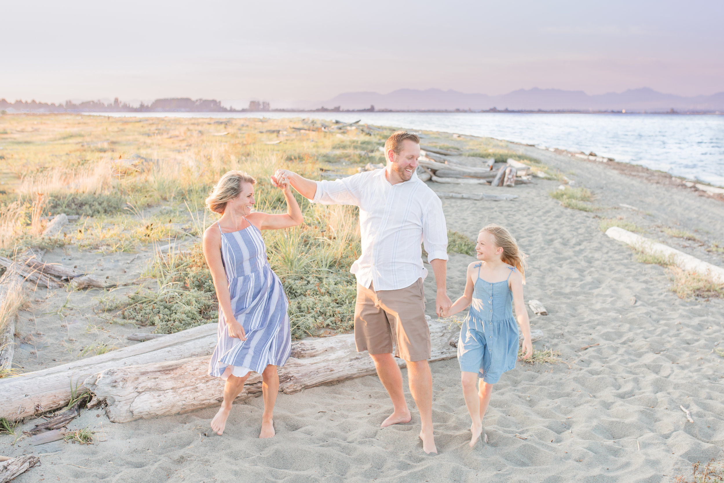 Centennial Beach Family Photos 2019-32.jpg