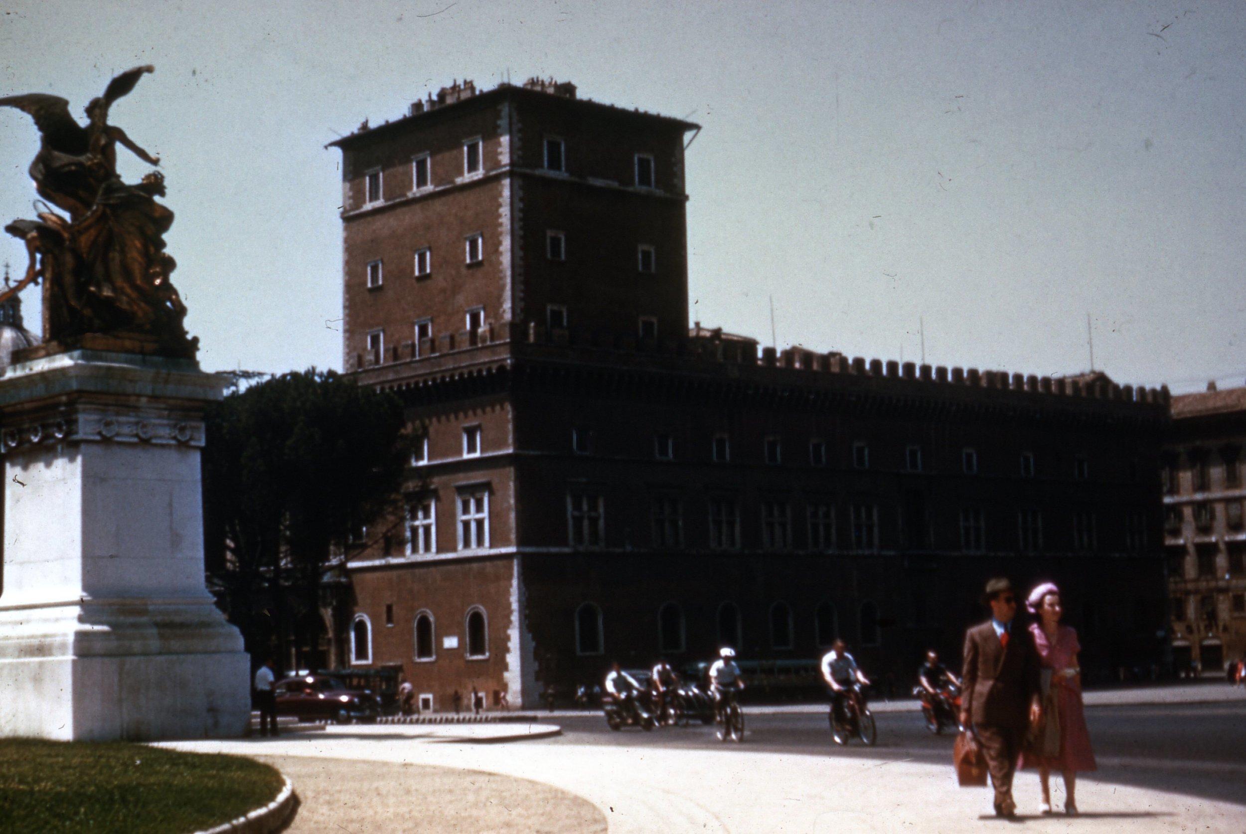 2_Palazzo_Venezia.jpg