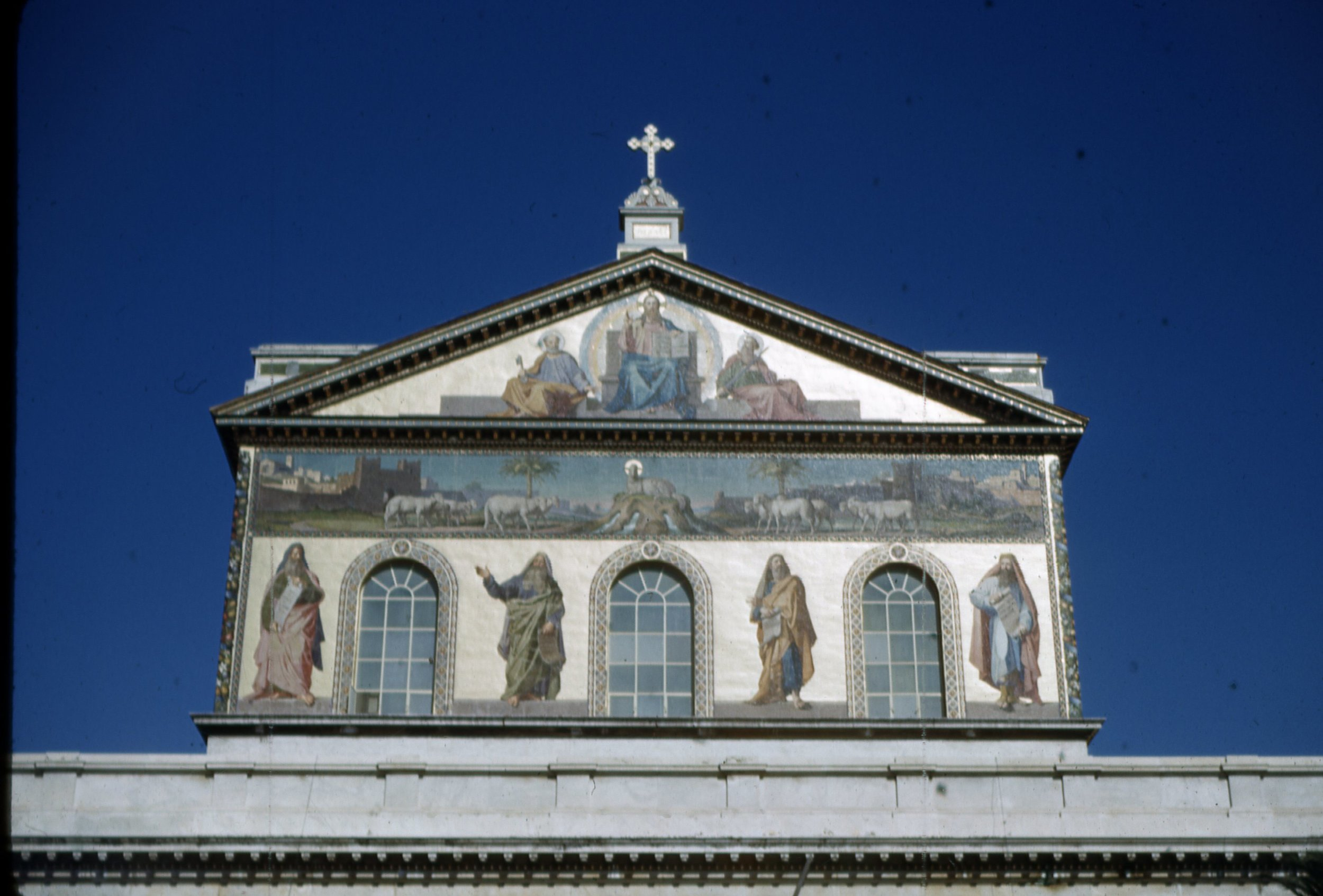 Basilica_St_Paul_2.jpg