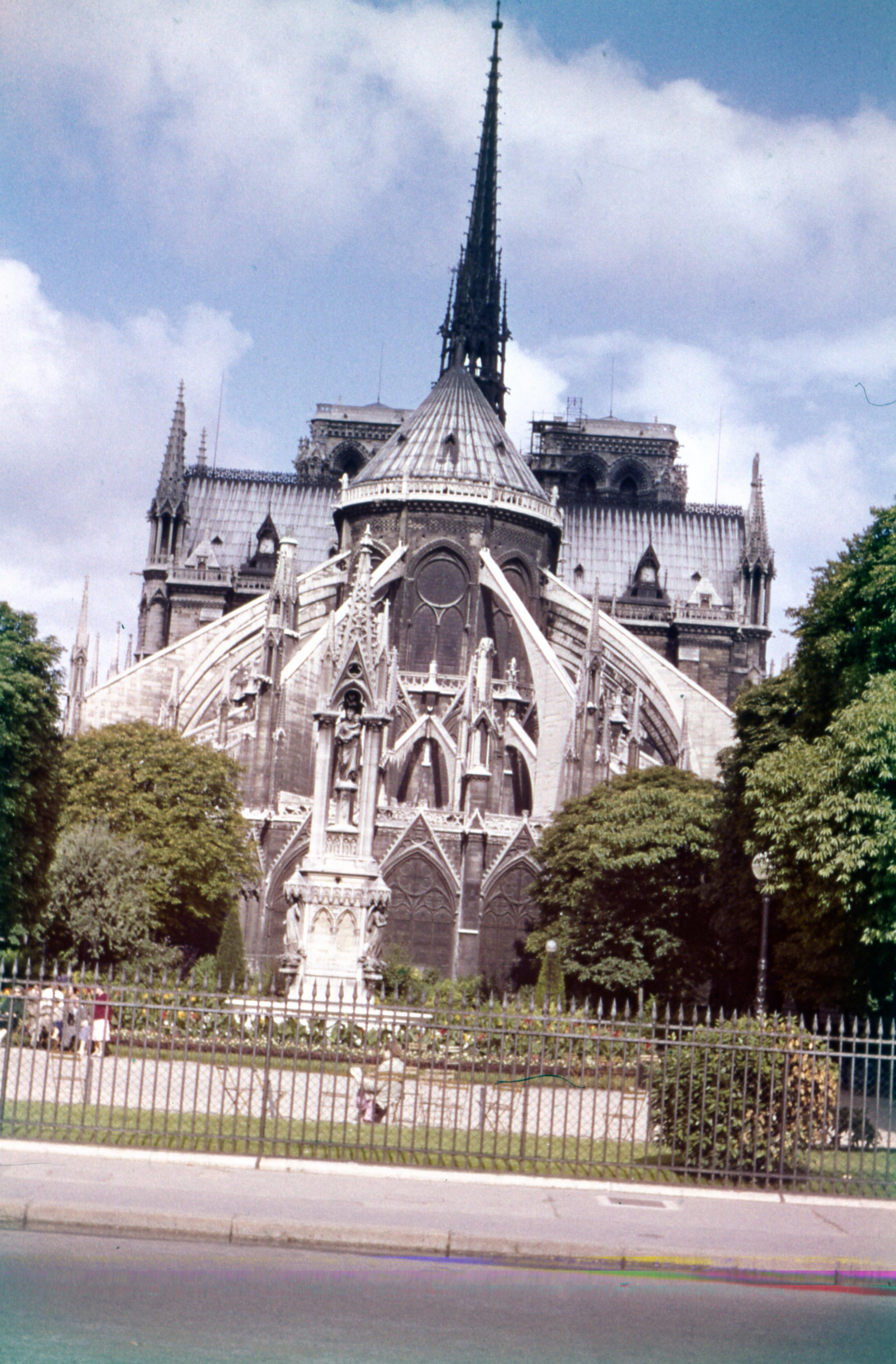 Notre_Dame_Back.jpg