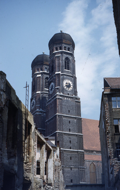 Munich_Cathedral.jpg