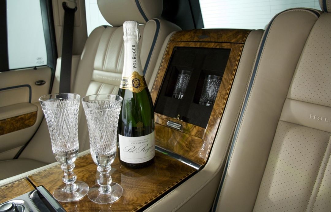 VIP Transfers - Two glass of drinks is better than one, Sparkling wine or Champagne. Book your VIP  transfer with us and experience unparalleled and distinguished service.