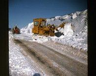 Snow_clearing_Belle_Hill_-_Jan_1979.jpg