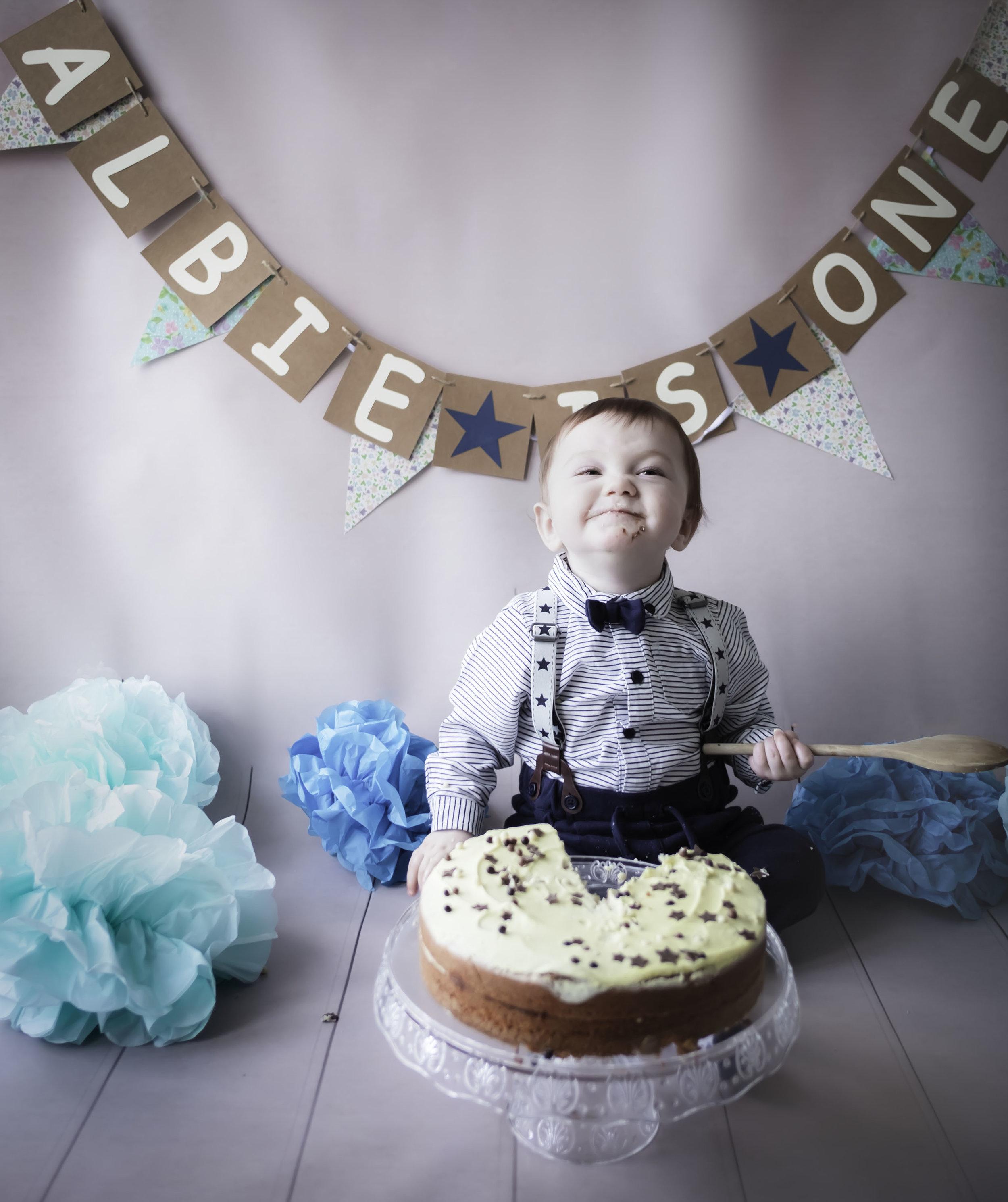 cake smash birthday glee