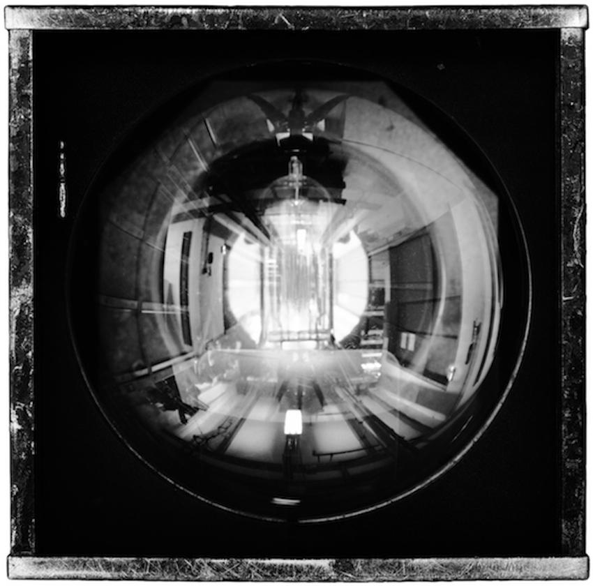 Philippe Gronon Projecteur n°1, PC Julia 1000 W, Opéra Garnier, Paris - 2014 Photographie analogique, épreuve numérique pigmentaire, 47 x 47 cm