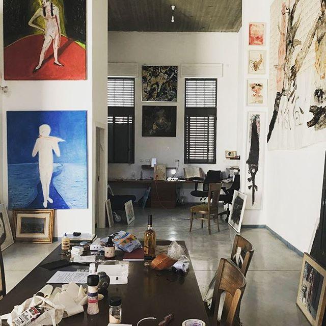 Inspiring art collector apartment  #pertzov_arch  #studiovisit #tlv #artisans #creativespace #creativeminds #tlvart #painting #homestudio #creativeinteriors #interiordesign #interiors