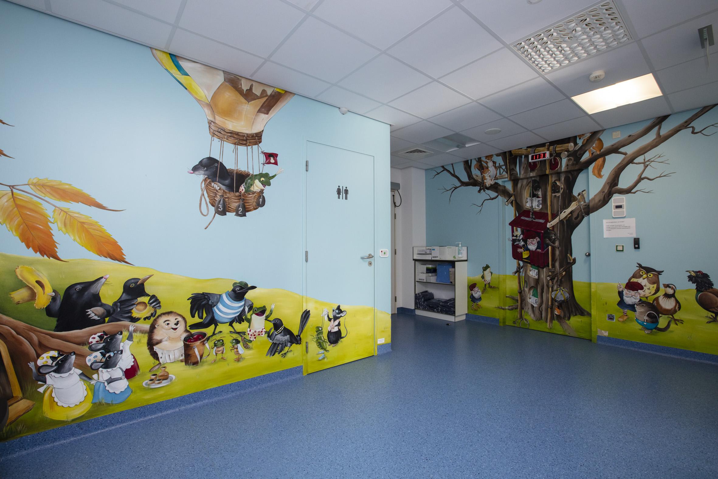 Wachtzaal kinderdagziekenhuis1.jpg