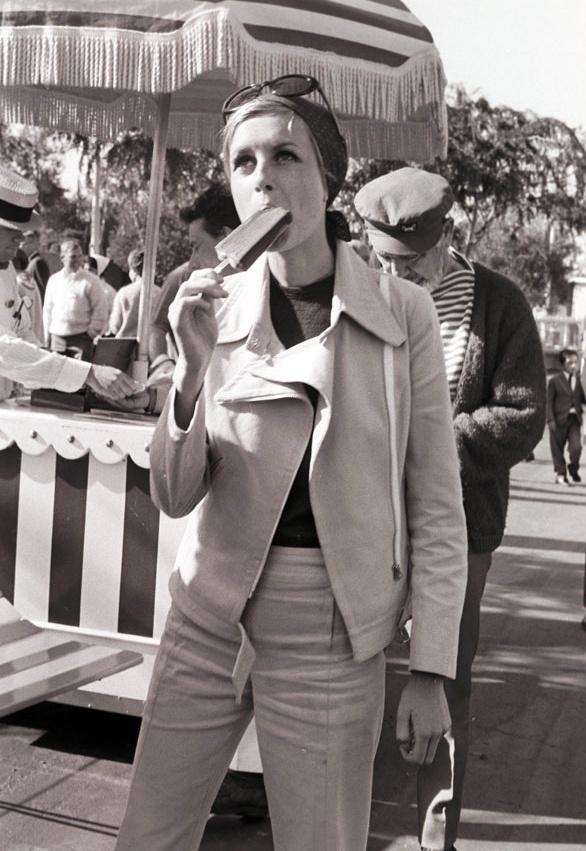 Twiggy, circa 1970