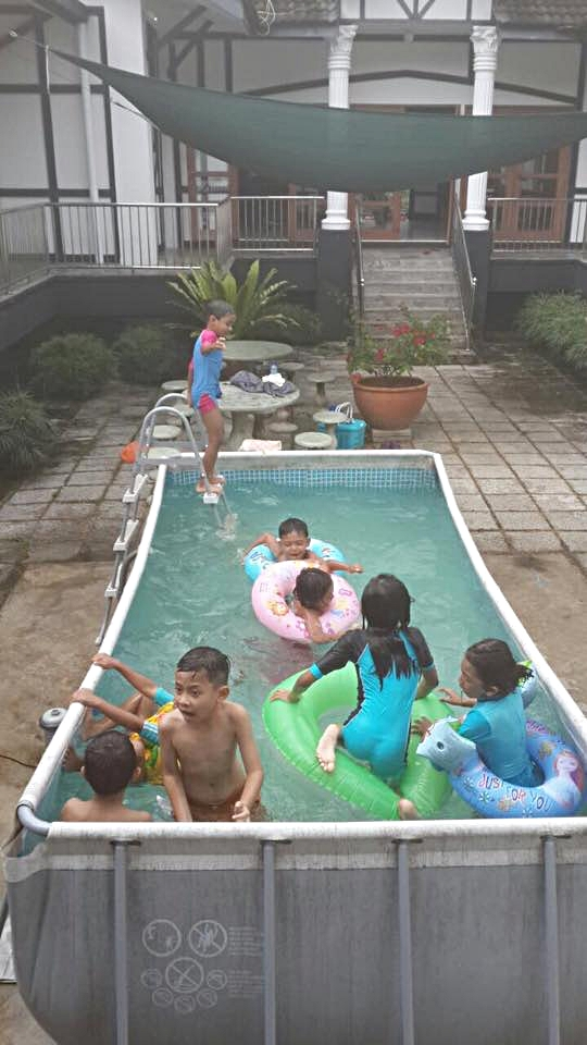 Kids' Pool - dipping even during when it rains!! :D