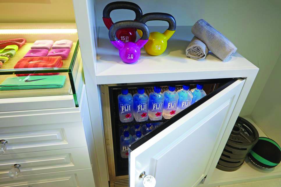Lisa-Adams_LA-Closet-Fitness-Passion_2.jpg.rend.hgtvcom.966.644.jpeg