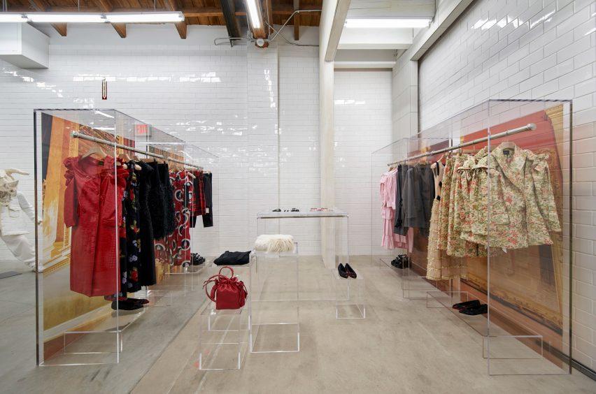 dover-street-market-los-angeles-interiors-retail-california-usa_dezeen_2364_col_48-852x564.jpg