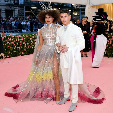 priyanka-chopra-and-nick-jonas-attends-the-2019-met-gala-news-photo-1147426938-1557189754.jpg