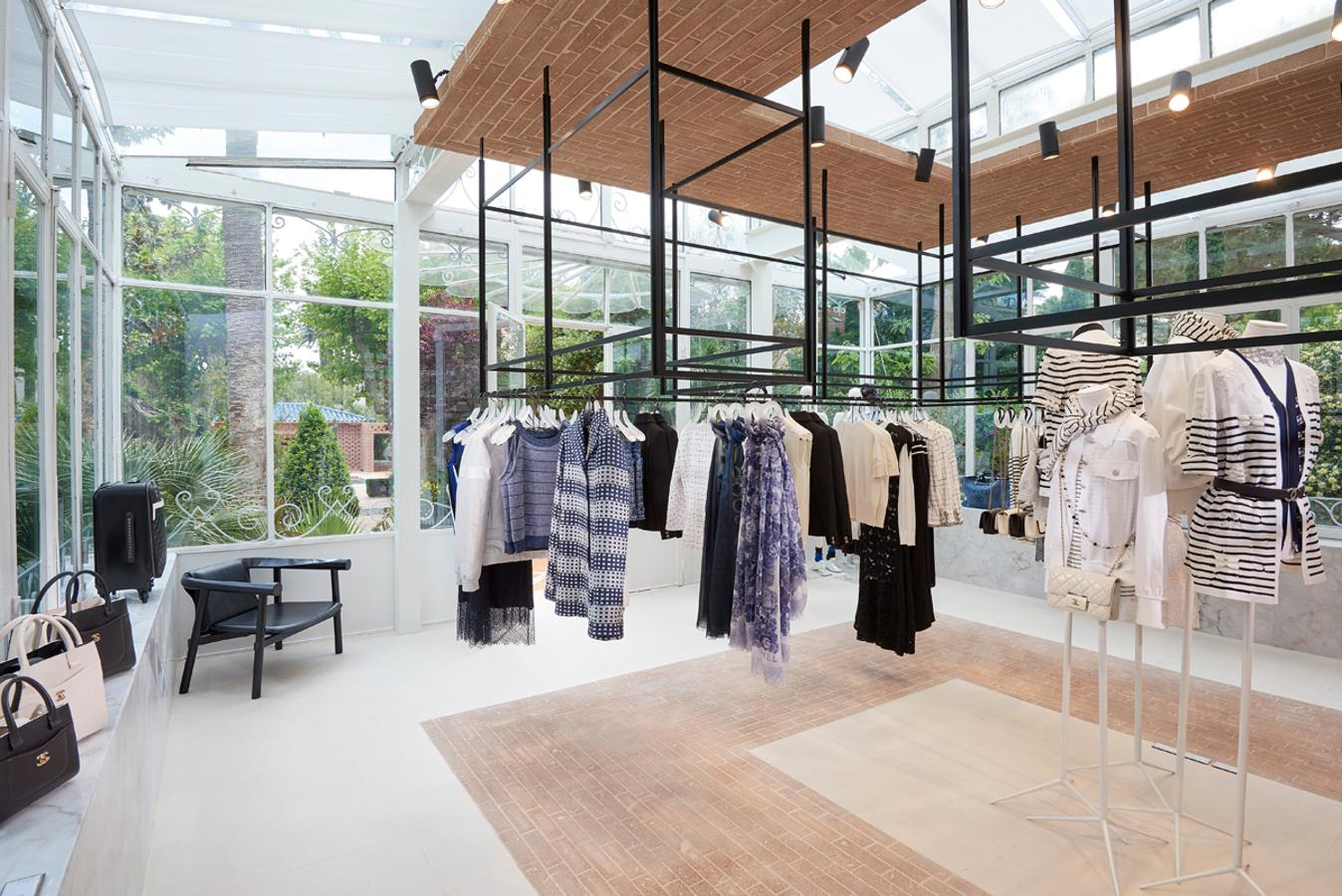 Chanel-pop-up-store.jpg