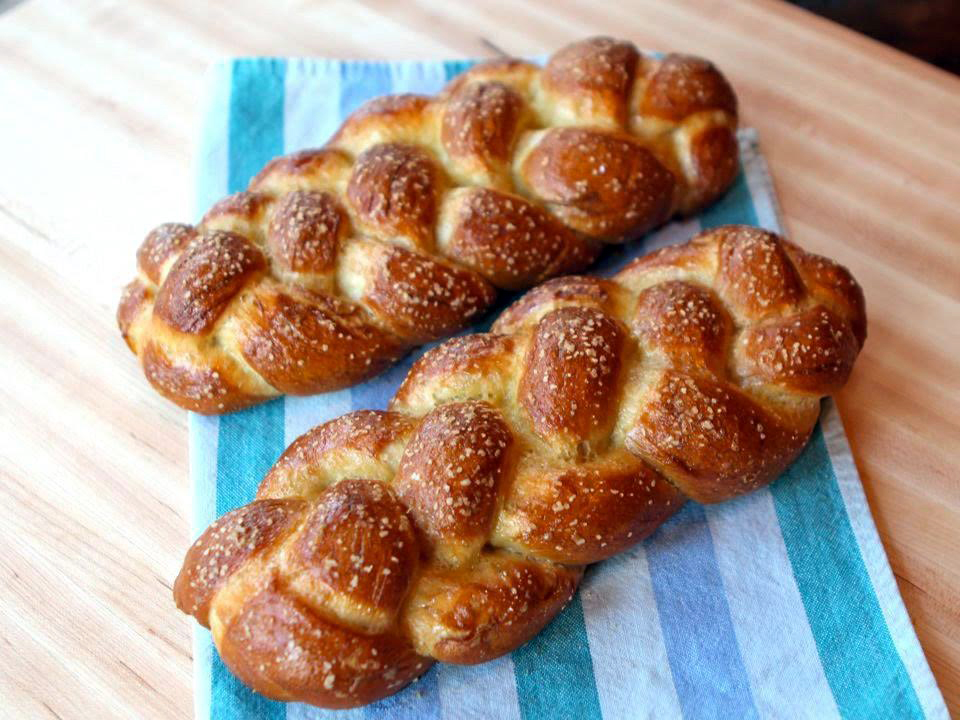 First Friday's Challah Group - MonthlyIn our 5th year of experimenting with unique, creative and delectable challah recipes! Women are invited to join Rebbetzin Dinie Scheiner on the first Friday of every month to learn the art of baking challah, experiment with creative recipes and experience the beauty of this special mitzvah for women. Featuring new recipes, shapes and techniques every month.