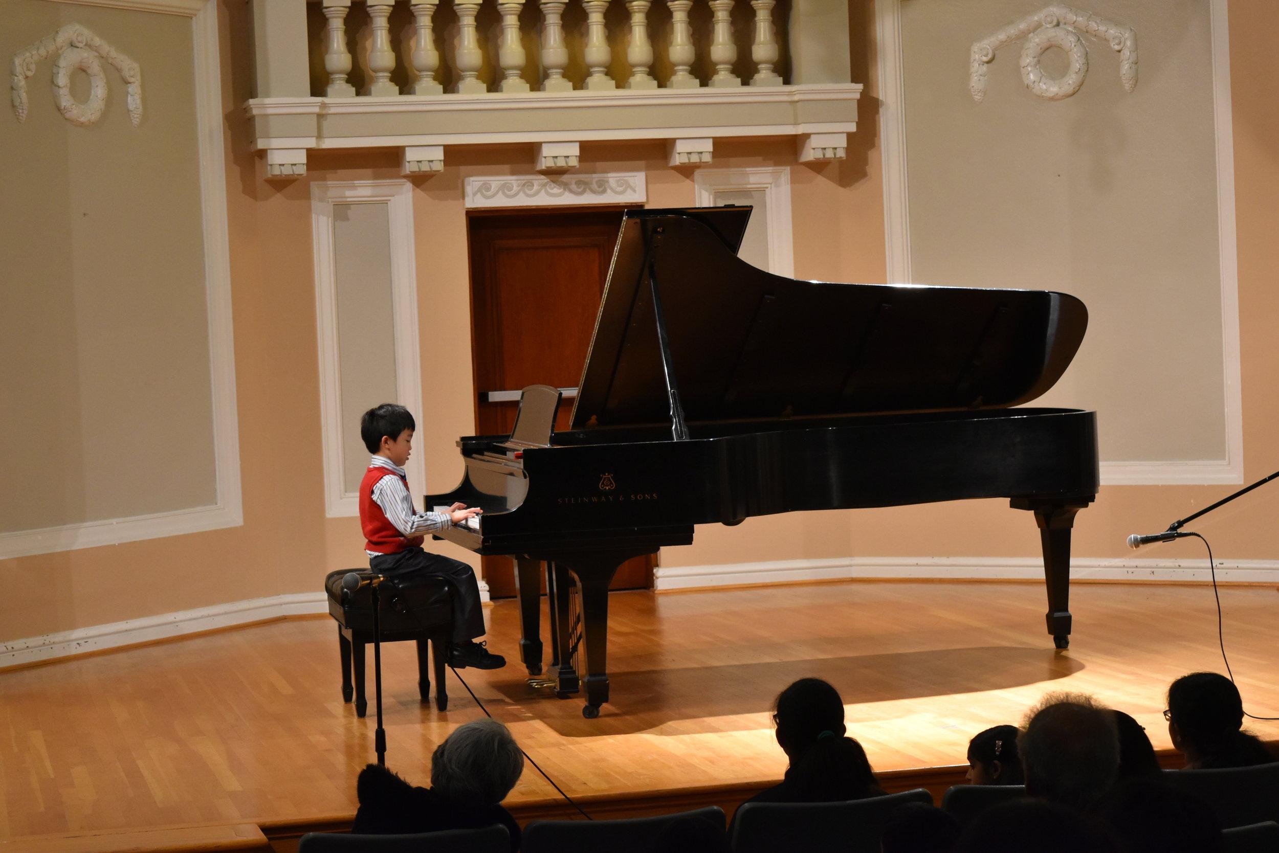 Piano 1-1.JPG