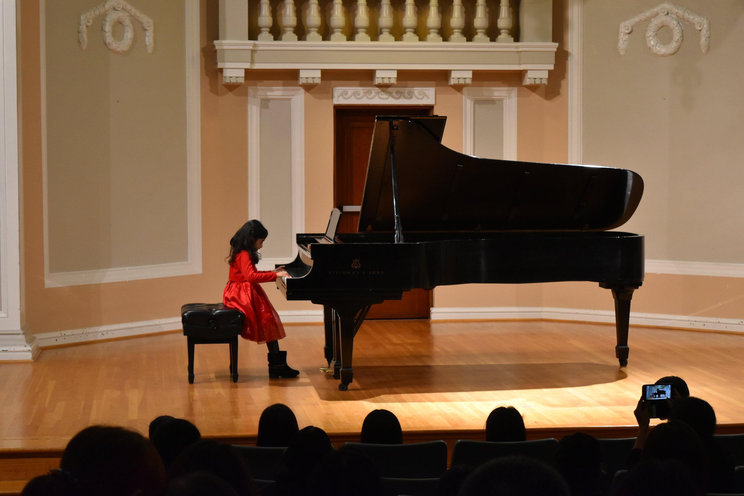 Piano 3-1.JPG