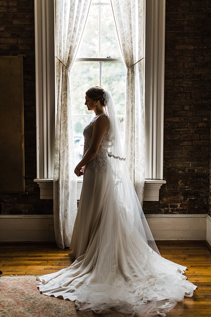 SarahSidwellPhotography_classicalbeautifulcharmingwedding_Nashvilleweddingphotographer_2274.jpg