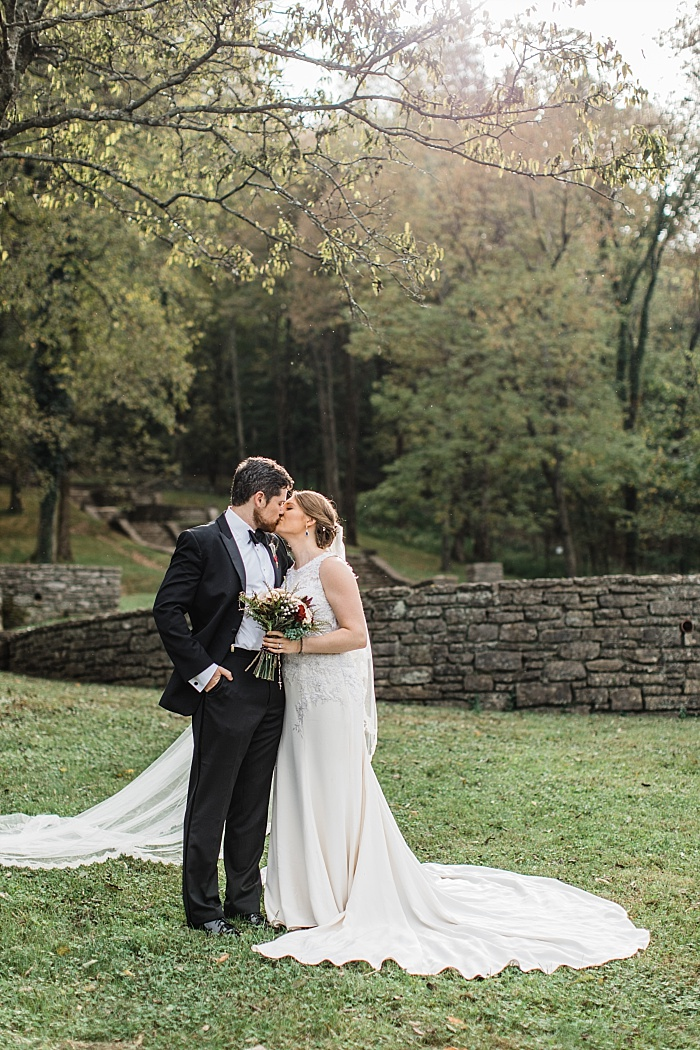 SarahSidwellPhotography_classicalbeautifulcharmingwedding_Nashvilleweddingphotographer_2262.jpg