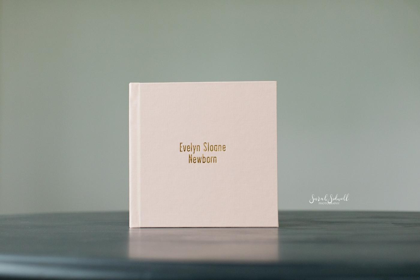 Newborn Photo Album | Evelyn