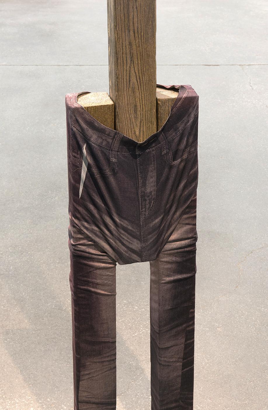 Valérie Blass,  Touche du bois