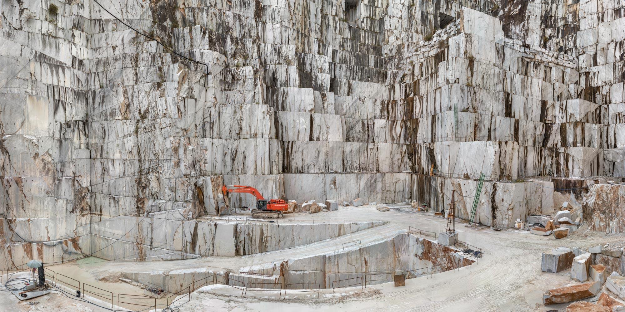 Carrara Marble Quarries, Cava di Canalgrande #2, Carrara, Italy 2016 © Edward Burtynsky, courtesy Flowers Gallery, London / Howard Greenberg and Bryce Wolkowitz Galleries, New York