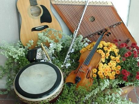 irish-instruments-source_4y8.jpg