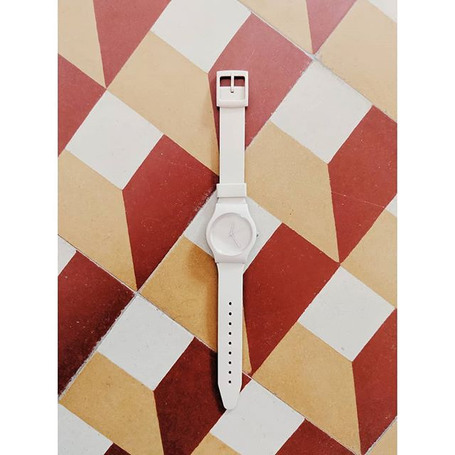 Yes we definitely have  #ihavethisthingwithtiles case 🤷‍♀️😀 #may28th #may28thwatch #flatlays #tiles #watches