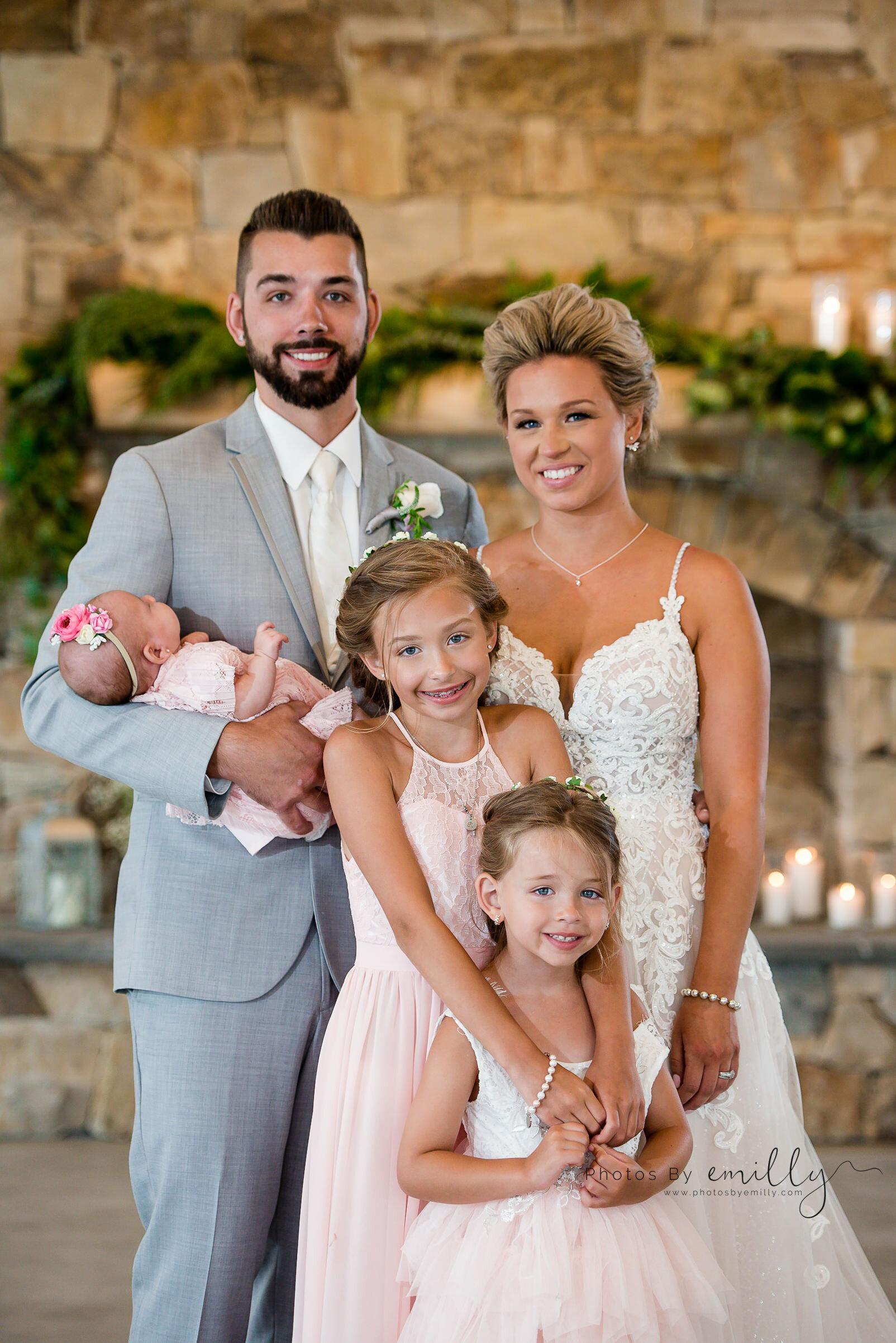 Photos by Emilly - LONG Wedding (17).jpg