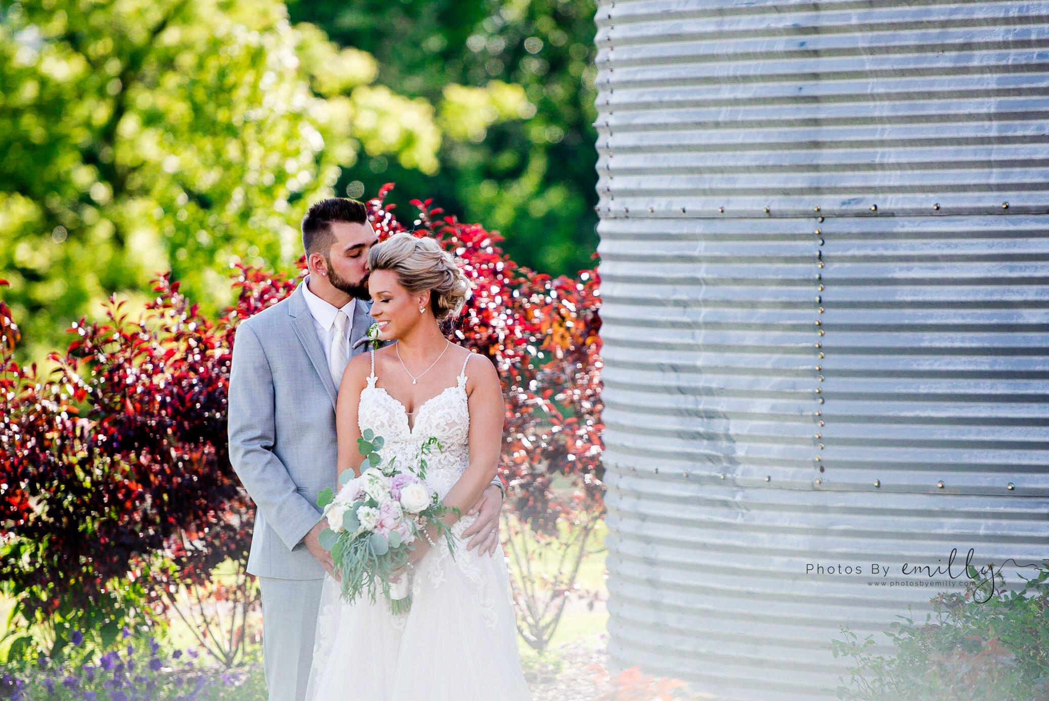 Photos by Emilly - LONG Wedding (28).jpg
