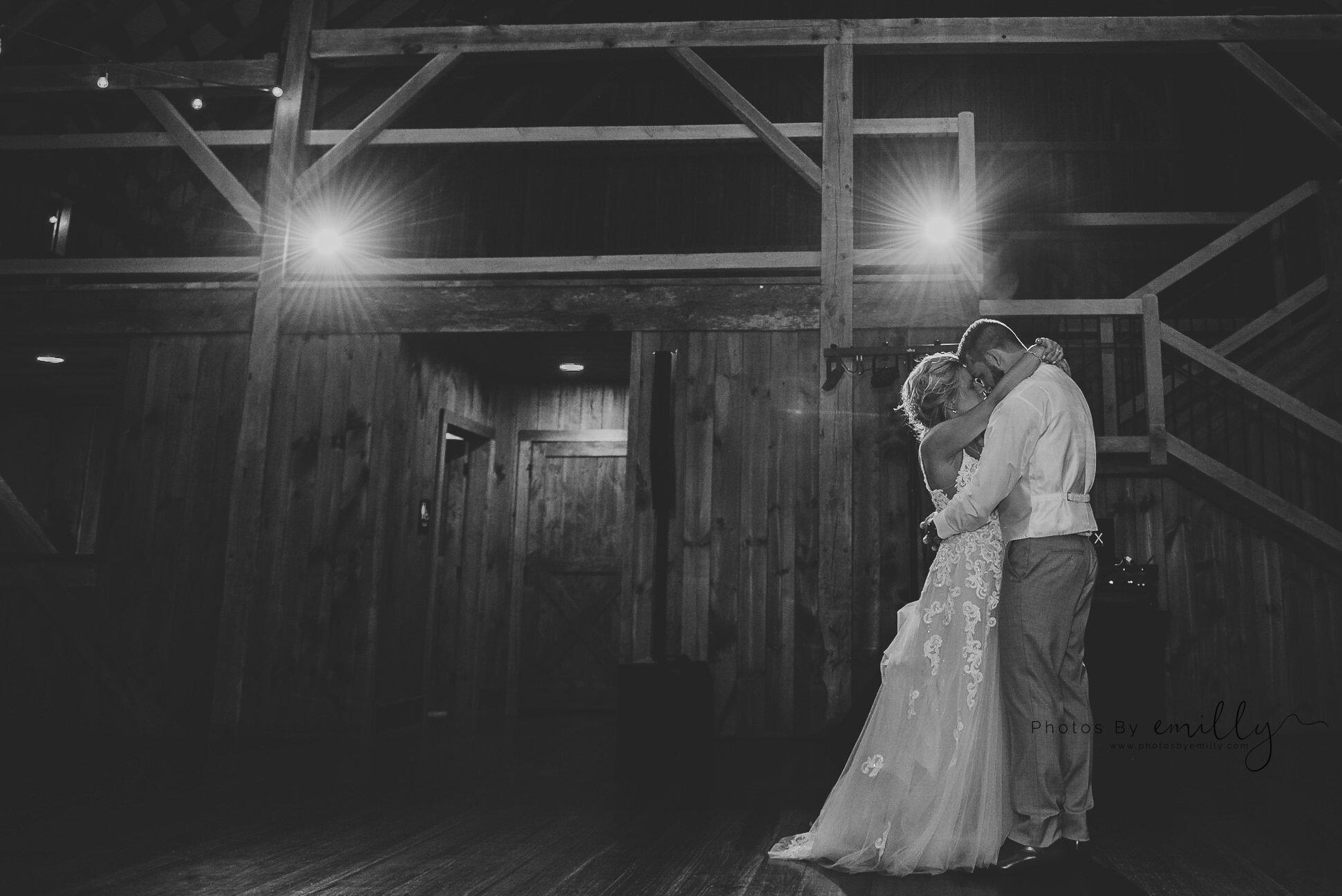 Photos by Emilly - LONG Wedding (53).jpg