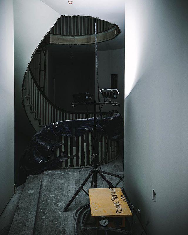 Winding stairwell renovation ⇋⇋⇋⇋⇋⇋⇋⇋⇋⇋⇋⇋⇋⇋⇋⇋⇋⇋⇋⇋⇋⇋⇋⇋⇋⇋⇋⇋ #renovation #stairwell #windingstaircase #jobsitepics #hallwaylighting #apartmentrenovation