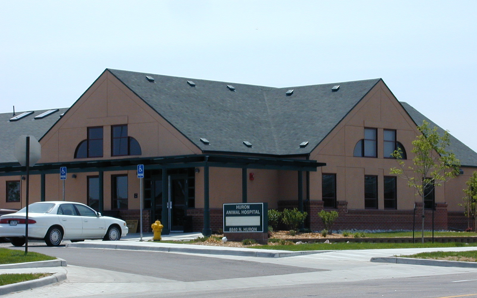 Huron Animal Hospital. Thornton, CO