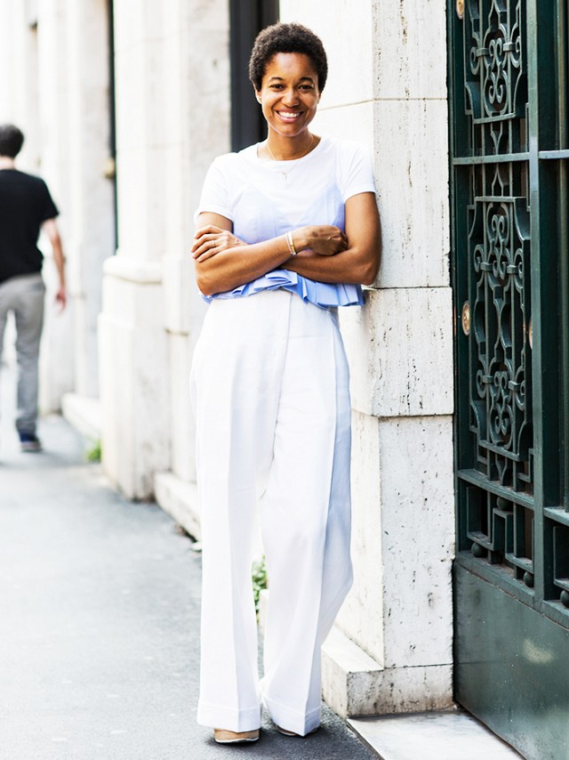 I love everything about this wonderful take on the classic white tee.  I love the all white look (hello, summer!), the unusual hemline of the shirt, and of course that blue ombre feature!
