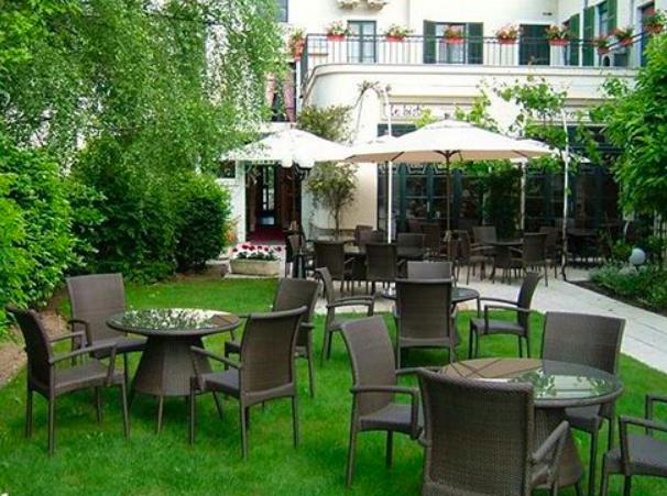 Hotel de la Poste Gardens.